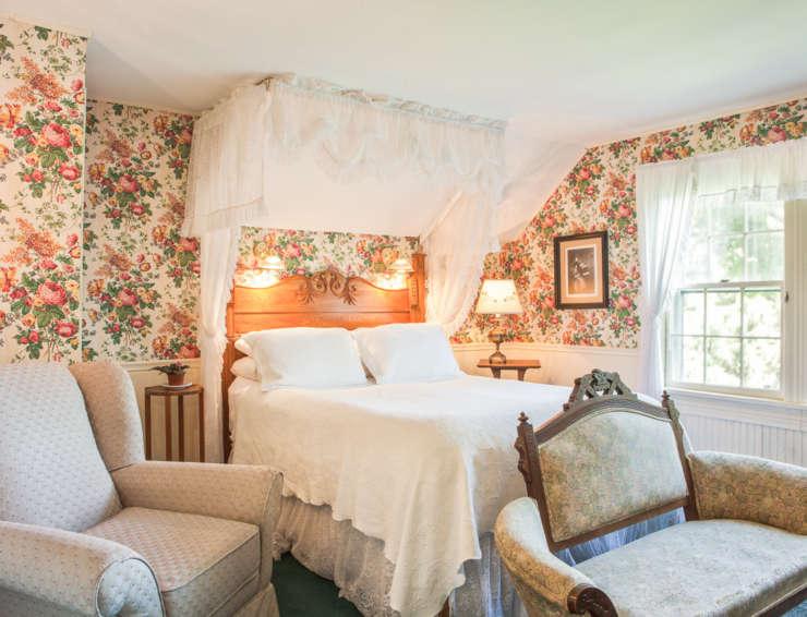 West Mountain Inn – Eat Fresh • Sleep Well • Be Together